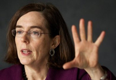 911-OREGON: Gov. Kate  is Arresting GOP Senate for Not voting for Climate Change Law
